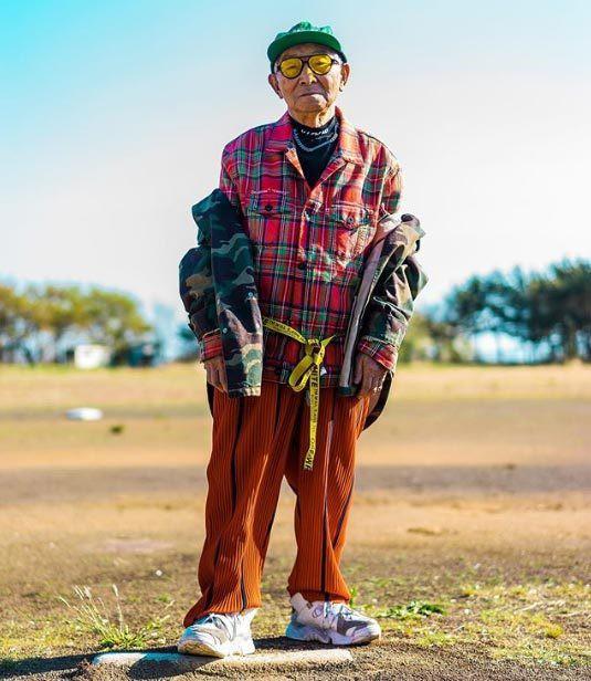 Gu ăn mặc cực chất của biểu tượng thời trang 84 tuổi - ảnh 5
