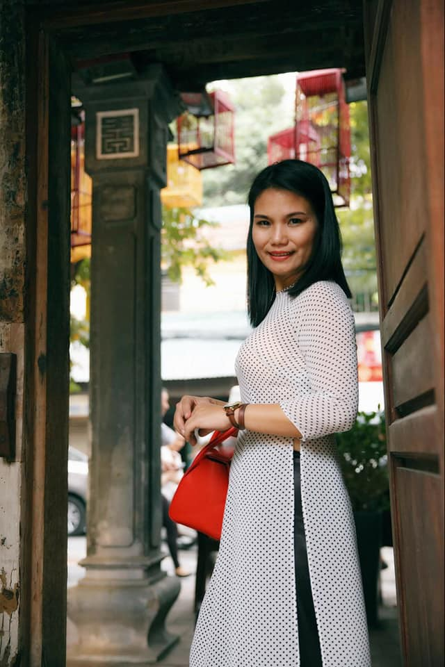 Chuyện những người mẹ ở Hà Nội lo con đi học lớp 10 xa nhà hơn chục km: Người lớn mang cái quyền làm mẹ áp đặt con nhiều quá - ảnh 1