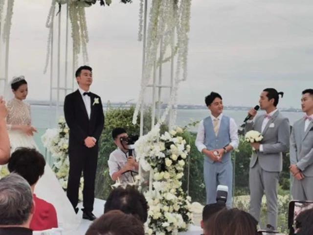 Đám cưới nhỏ bất ngờ hot vì Thánh Ế Hồ Ca mặc váy hồng, tranh hoa cưới khi làm phù rể - ảnh 2