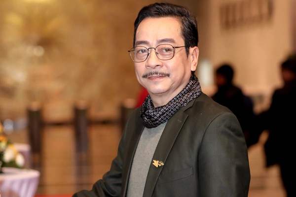 Giữa lùm xùm gây tranh cãi, NSND Hoàng Dũng vẫn vui vẻ tươi cười trò chuyện cùng Lan Cave Thanh Hương - Ảnh 3.