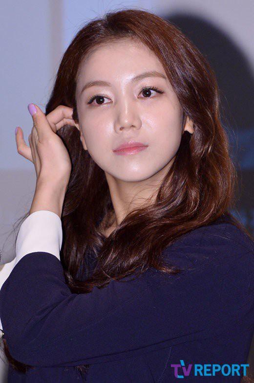 Nửa năm xa cách và loạt dấu hiệu báo trước việc ly hôn của Song Joong Ki và Song Hye Kyo - ảnh 13