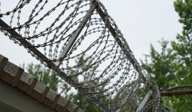 Bên trong trung tâm cai nghiện Internet ở Trung Quốc: Trói vào giường và biệt giam là biện pháp thường thấy - ảnh 4