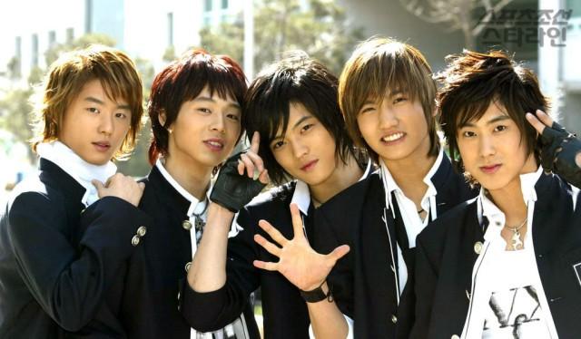 """Những lý do khiến dàn idol """"non xanh"""" phải cúi mình ngả nón trước màn solo của lão đại Kpop Yunho (DBSK) - Ảnh 3."""