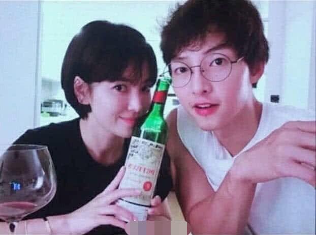 Đây chính là khoảnh khắc Song Hye Kyo làm việc ở Thái, không hề hay biết ngày mai bị Song Joong Ki đệ đơn ly hôn - Ảnh 3.
