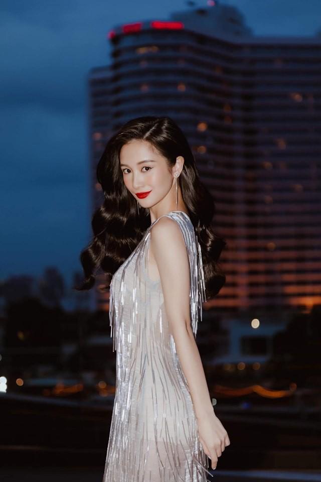 Cùng 1 chiếc đầm: Jun Vũ sở hữu nhan sắc nữ thần nhưng đỉnh cao tinh tế lại là Khánh Linh - Ảnh 1.