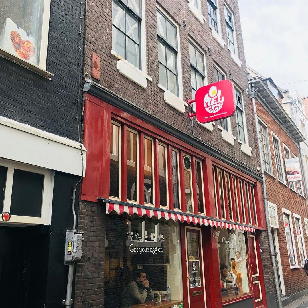 """""""Chịu thương chịu khó"""" như Minh Hằng: Lặn lội sang Amsterdam để… ăn và ăn, xếp hàng dài cả trăm người cũng đợi bằng được! - Ảnh 13."""