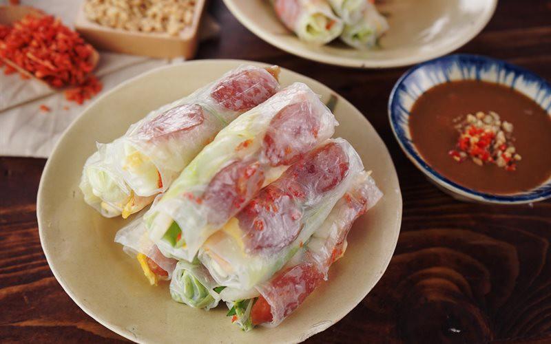 Ý nghĩa không ai ngờ của những món ăn phiên âm tiếng Hoa, bất ngờ nhất là món số 3 - Ảnh 1.