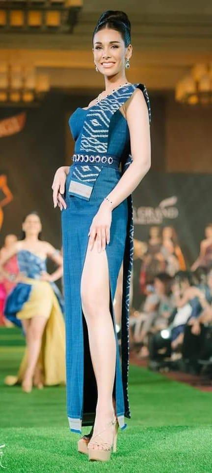 Không chỉ lạc lõng trong chiến thắng, Miss Grand ThaiLan 2019 còn bị chỉ trích bởi gương mặt đơ cứng, thiếu tự nhiên - ảnh 10
