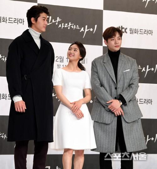 Giật mình các nam thần Hàn cao trên 1m9 đứng bên đồng nghiệp: Như người khổng lồ, Lee Kwang Soo chưa là gì so với số 5 - ảnh 5