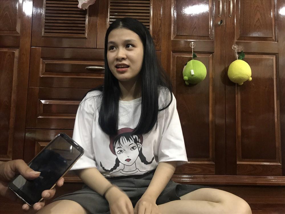 Nữ sinh Đà Nẵng biết đỗ thủ khoa trong lúc đang đi làm thêm - Ảnh 1.