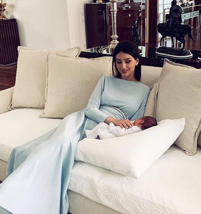 HOT: Nữ hoàng sắc đẹp Nga ly dị cựu vương Malaysia sau 1 năm kết hôn, khi vừa sinh con được 2 tháng - ảnh 3
