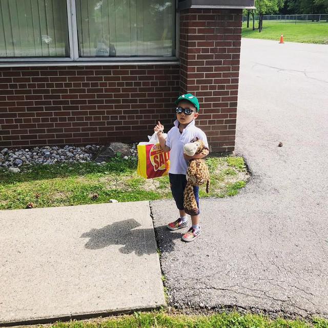 Mẹ Việt ở Canada: Nhìn cô giáo bình tĩnh chờ con xoay sở, tôi nhận ra cách giáo dục con trẻ tốt nhất là mặc kệ con - ảnh 1