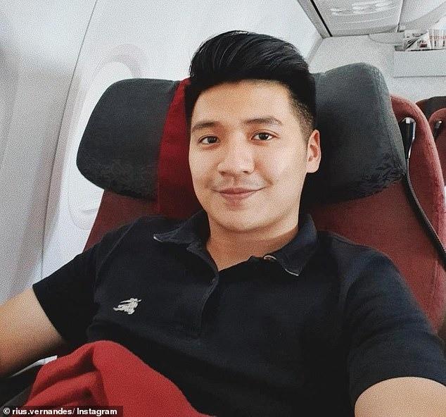 Đăng ảnh phàn nàn menu viết tay trên máy bay, cặp đôi blogger du lịch bị kiện và sắp sửa đối mặt mức án 4 năm tù giam - ảnh 1