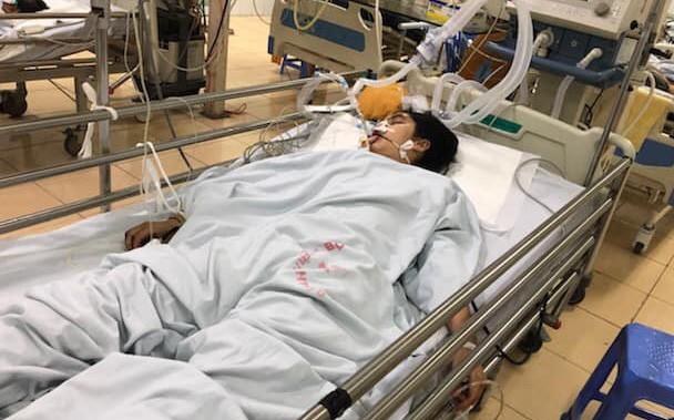 Hà Nội: Nữ sinh Đại học Quốc gia gặp tai nạn trên đường đi học về, mẹ cầu cứu cộng đồng mạng giúp đỡ