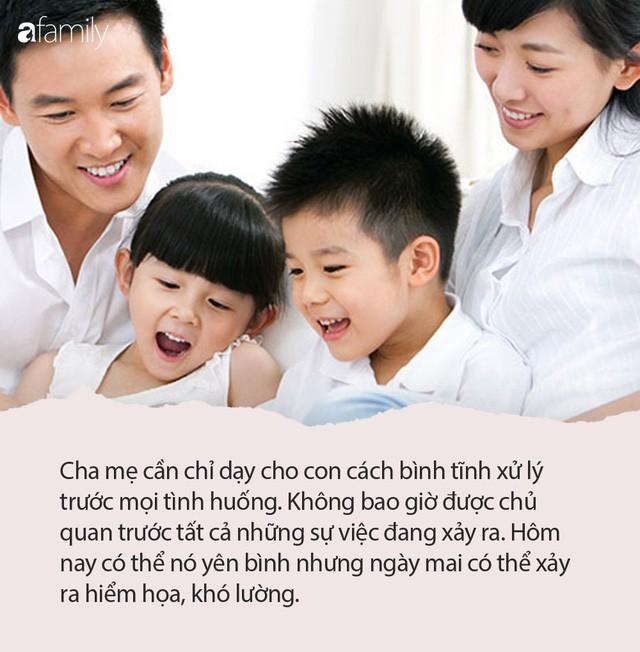"""Hoàng đế Khang Hi: """"Khinh suất việc nước có thể sửa, khinh suất việc dạy con ngàn lần không thể sửa"""" - ảnh 1"""