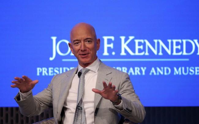 Dành cả cuộc đời để thực hiện ước mơ đưa con người du lịch vòng quanh vũ trụ, Jeff Bezos không ngần ngại chi hàng tỷ đô la vào việc nghiên cứu - ảnh 2