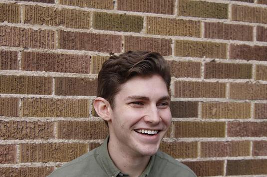 Tuổi trẻ tài cao: Chàng thanh niên in mặt mình lên bảng quảng cáo đòi tuyển người yêu với lời mời chào bá đạo - ảnh 4