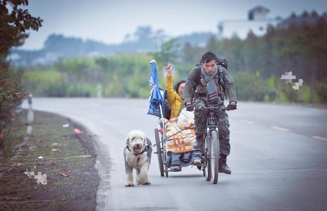 Xe lăn, xe đạp và một chú chó: Hành trình tình yêu gây sốt MXH từ hai con người phi thường - ảnh 1