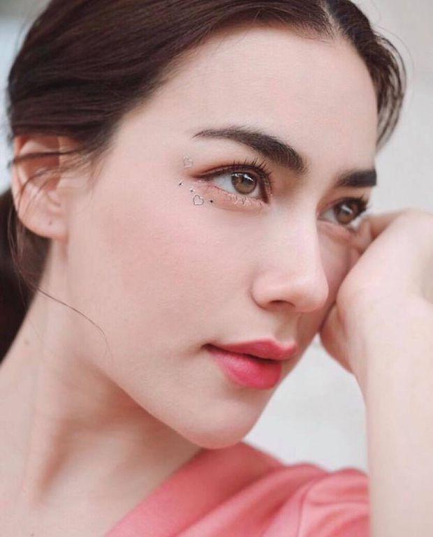 Top sao nữ đẹp từ trong trứng nước của showbiz Thái: Dàn mỹ nhân lai xuất sắc, Nira Chiếc lá bay chưa phải là nhất! - Ảnh 26.