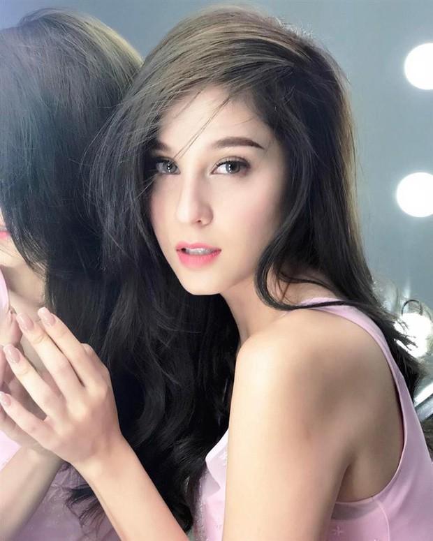 Top sao nữ đẹp từ trong trứng nước của showbiz Thái: Dàn mỹ nhân lai xuất sắc, Nira Chiếc lá bay chưa phải là nhất! - Ảnh 48.
