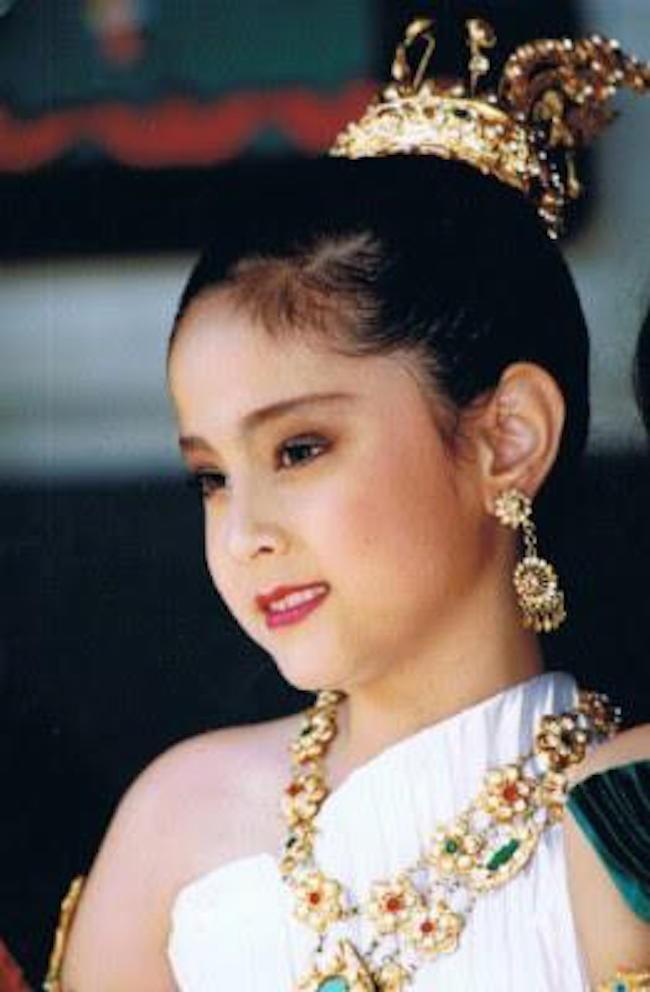 Top sao nữ đẹp từ trong trứng nước của showbiz Thái: Dàn mỹ nhân lai xuất sắc, Nira Chiếc lá bay chưa phải là nhất! - ảnh 57