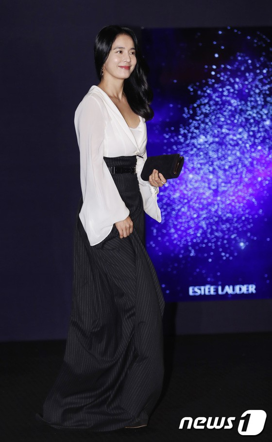Sự kiện siêu sang quy tụ dàn mỹ nhân: Jihyo lần đầu lộ diện hậu hẹn hò Kang Daniel, bị cả Tzuyu và Sulli làm lu mờ - ảnh 21