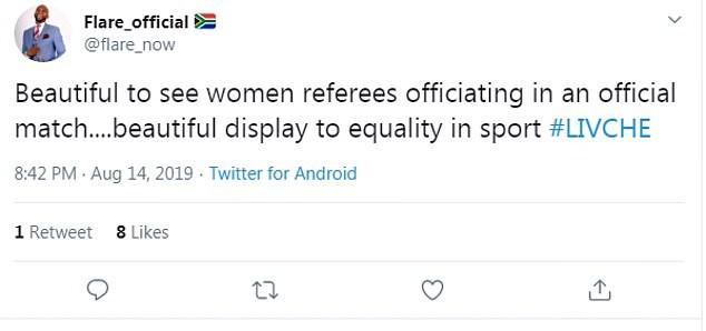 Tổ trọng tài nữ lần đầu xuất hiện trong trận chung kết Siêu cúp được fan ca ngợi hết lời dù mắc sai lầm khiến trận đấu kết thúc sớm - Ảnh 3.