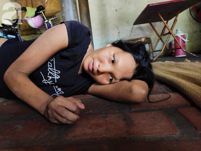 Xót cảnh người mẹ điên ú ớ nằm dưới đất nhìn con gái 15 ngày tuổi không biết mặt bố là ai vì bị hiếp dâm - ảnh 8