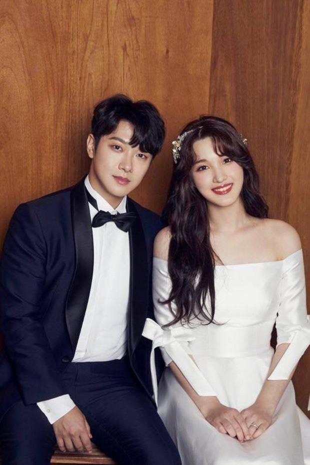 Thần tốc như cặp bố mẹ trẻ nhất Kbiz: Minhwan và nữ idol ngực khủng sắp đón con thứ 2 chỉ sau 1 năm kết hôn - ảnh 3