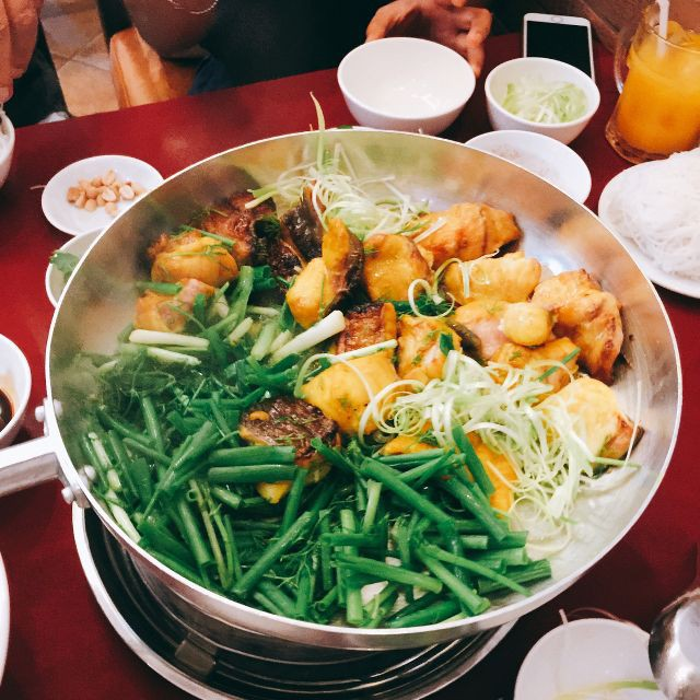 """Dương và Bảo hội tụ hậu """"Về nhà đi con"""" vào một ngày Hà Nội động mưa, ăn chả cá buổi trưa là quá hợp đây nè! - ảnh 11"""