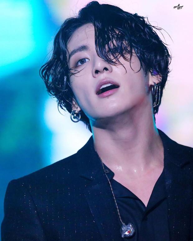 30 idol nam Kpop hot nhất hiện nay: 2 ông hoàng BTS - EXO bao thầu top đầu, bất ngờ hơn là nam thần sừng sững ở giữa - Ảnh 3.
