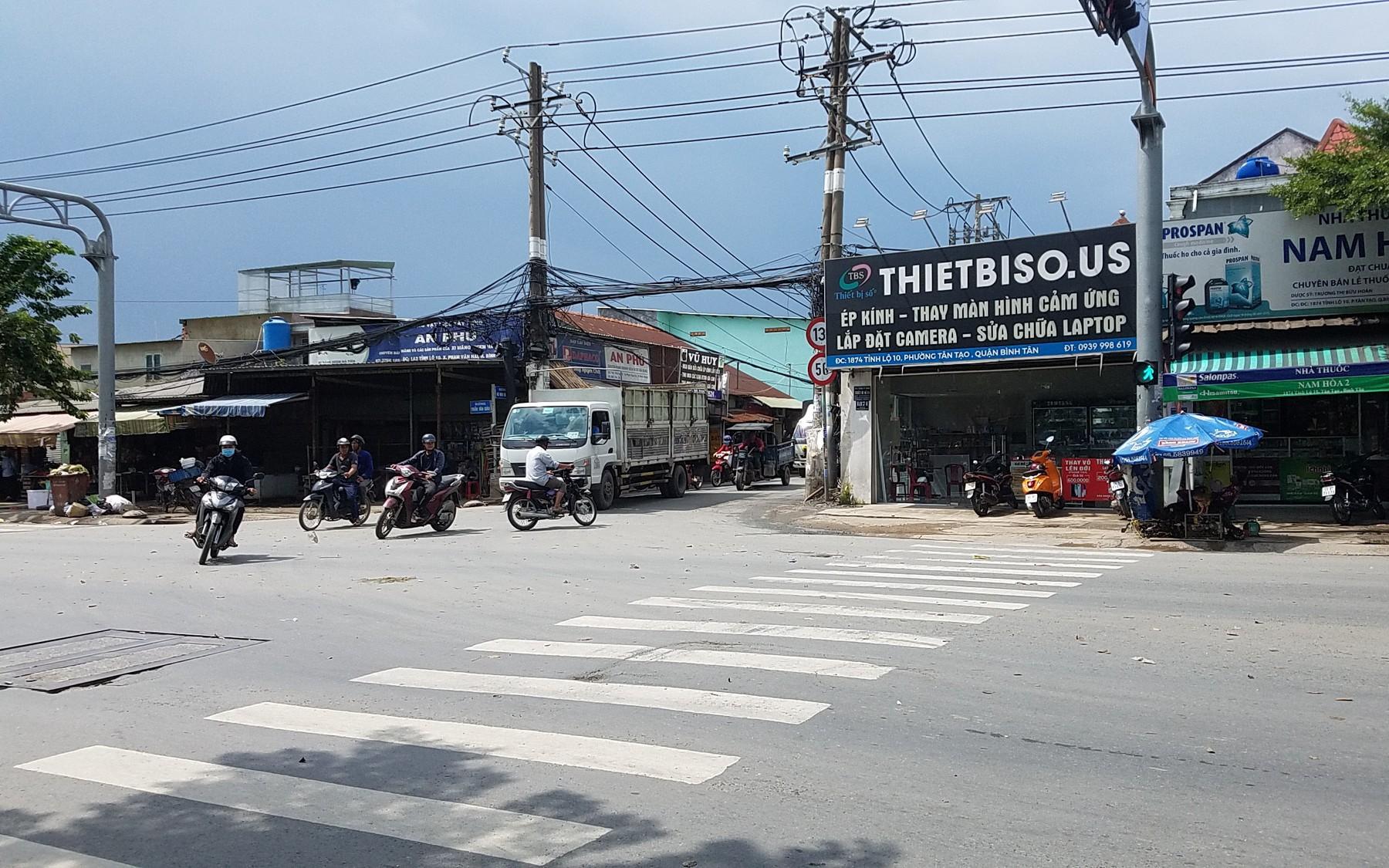 Hai tài xế đuổi chém nhau kinh hoàng vì tranh giành khách ở Sài Gòn
