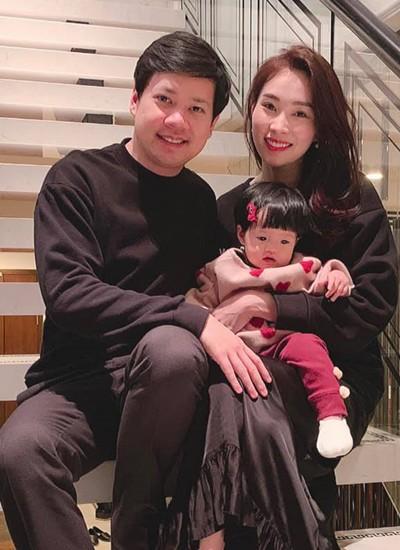 Đặng Thu Thảo khoe con gái lớn phổng phao, thích thú khám phá nơi làm việc của ba là doanh nhân Trung Tín - Ảnh 6.