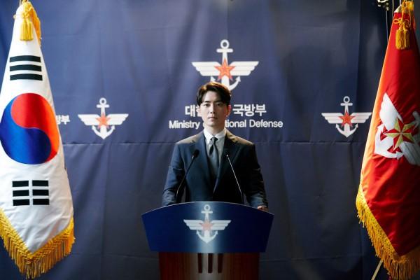 6 cảnh chấn động của Lee Joon Hyuk ở Tổng Thống 60 Ngày: Con tàu chỉ có một thuyền trưởng, tôi là người đó! - ảnh 14