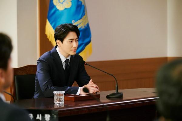 6 cảnh chấn động của Lee Joon Hyuk ở Tổng Thống 60 Ngày: Con tàu chỉ có một thuyền trưởng, tôi là người đó! - ảnh 11