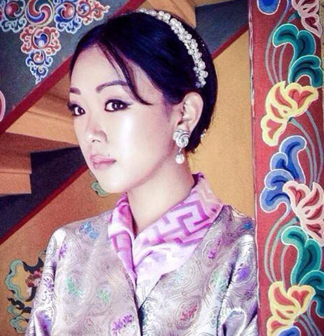 Danh tính Công chúa Bhutan đang khiến cộng đồng mạng phát sốt với khí chất ngút ngàn: Xinh đẹp bậc nhất, học vấn đỉnh cao cùng người chồng hoàn hảo - ảnh 4