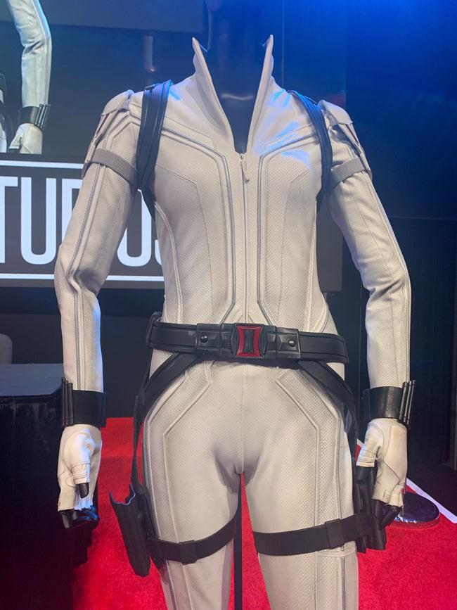 Ngỡ ngàng bộ suit mới của Black Widow: Hẳn stylist của Marvel hơi mù màu, Góa Phụ Đen mặc đồ trắng là sao? - Ảnh 1.