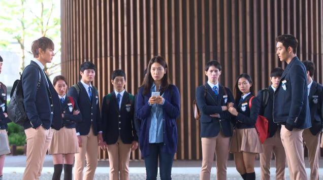Sự thật đằng sau phim học đường lung linh màn ảnh Hàn: Bị bạn học bắt nạt đến diện mạo biến dạng, phải tự tử để giải thoát - ảnh 2