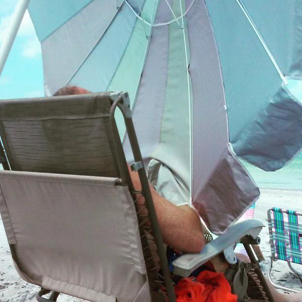 """Những hành động kỳ quặc của du khách khi đi biển sẽ khiến bạn phải kêu trời: """"Tức mà không nói lên lời luôn á!"""" - ảnh 5"""
