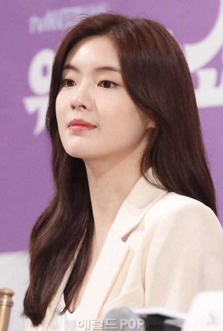 The Great Show: Phim chính trị nhưng không hack não vì được xem Song Seung Hun lắm múi tấu hài mỗi ngày - Ảnh 12.