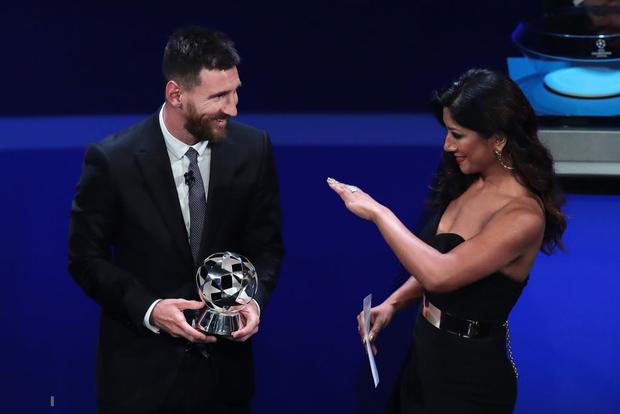Đánh bại cả Messi lẫn Ronaldo, Virgil van Dijk chính thức trở thành cầu thủ xuất sắc nhất châu Âu - ảnh 4