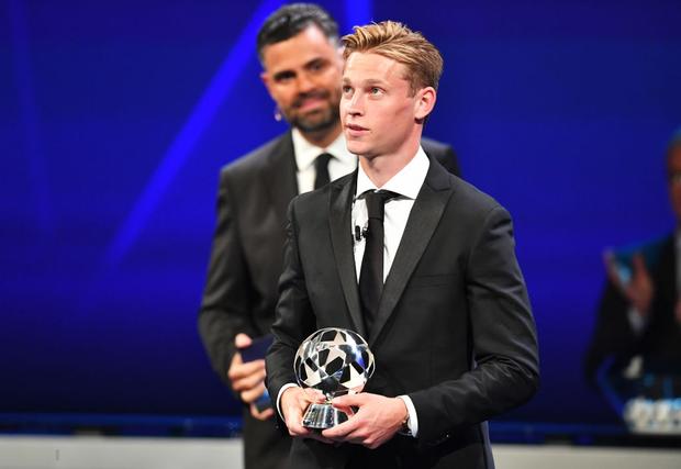 Đánh bại cả Messi lẫn Ronaldo, Virgil van Dijk chính thức trở thành cầu thủ xuất sắc nhất châu Âu - ảnh 5