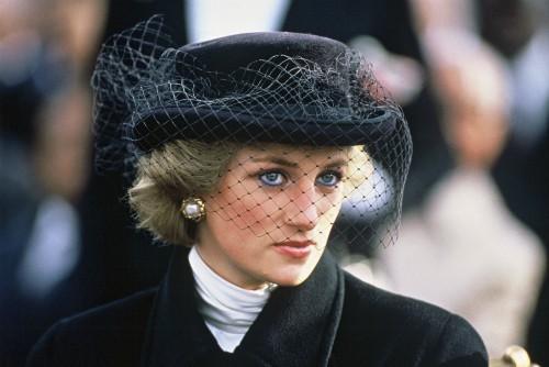 22 năm ngày mất của Công nương Diana quá cố: Nhiếp ảnh gia tiết lộ chi tiết đau lòng trong đám tang lịch sử - ảnh 4