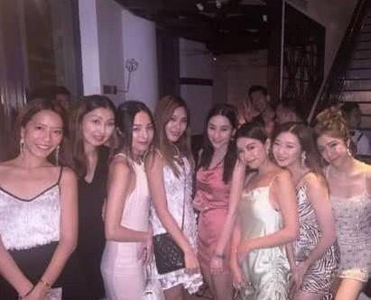 Choáng tiệc hội rich kid xứ Trung: Quẩy hết nấc tại club ăn chơi nhất Thượng Hải, mọi chi phí do 1 nhân vật chủ chi - Ảnh 2.
