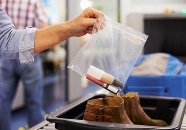 12 sai lầm du khách thường mắc phải nhất trước mỗi chuyến bay, cần lưu ý ngay để tránh rước họa vào người - ảnh 9