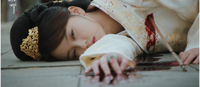 Không chỉ bà chủ IU và anh cận vệ ở Hotel Del Luna, phim Hàn còn tận 4 cặp đôi cướp nước mắt của khán giả - Ảnh 4.