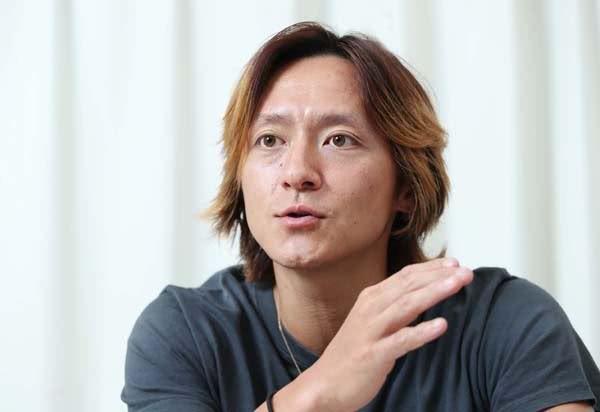 Kết cục của kẻ ngoại tình nổi tiếng Nhật Bản: Phải ăn cỏ công viên cầm hơi, làm trai bao kiếm tiền sống qua ngày - ảnh 2