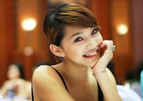 10 năm hành trình nhan sắc của Lưu Đê Ly: Từ cô gái cằm thô, mũi thấp đến nhan sắc sau 6 ca phẫu thuật thẩm mỹ ở Hàn được khen tới tấp - ảnh 8