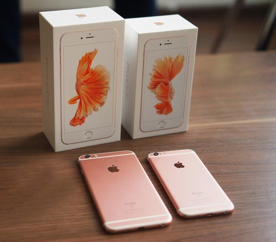 """iPhone 11 Pro """"xanh bóng đêm"""" liệu có gây sốt như iPhone """"vàng hồng"""" trước đây? - ảnh 3"""