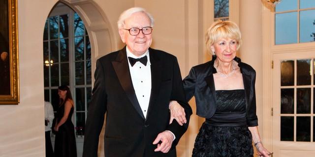 Warren Buffett: Bài kiểm tra cuối cùng trong đời này sẽ đánh giá cuộc sống của bạn có thực sự hạnh phúc hay không - ảnh 2
